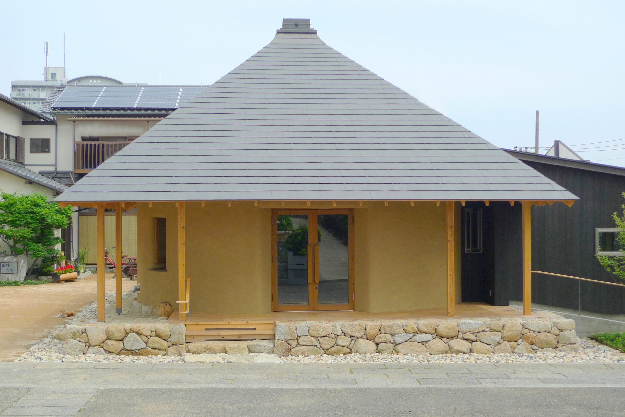 Straw Bale Building in Japan